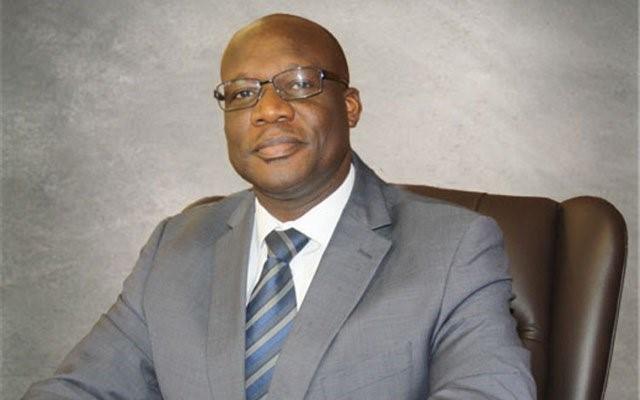 Dr Gwinji